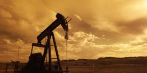 oil-pump-jack-sunset-clouds-silhouette-162568