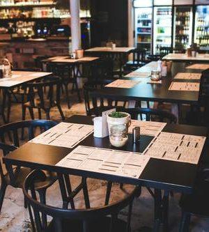 menu-restaurant-vintage-table[1]