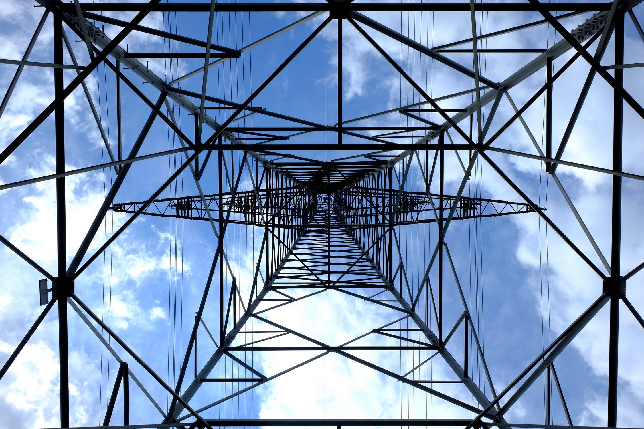 pylon-current-electricity-strommast-159279[1]